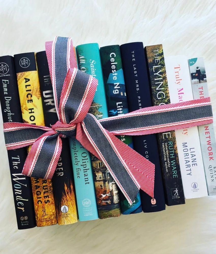 Christmas Gifts for Bookworms | Hopeful Hanna (image credit Book Sugar)