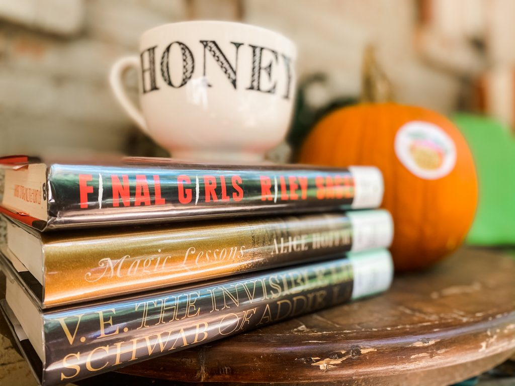 What I Read in October 2020 Spooky Stack